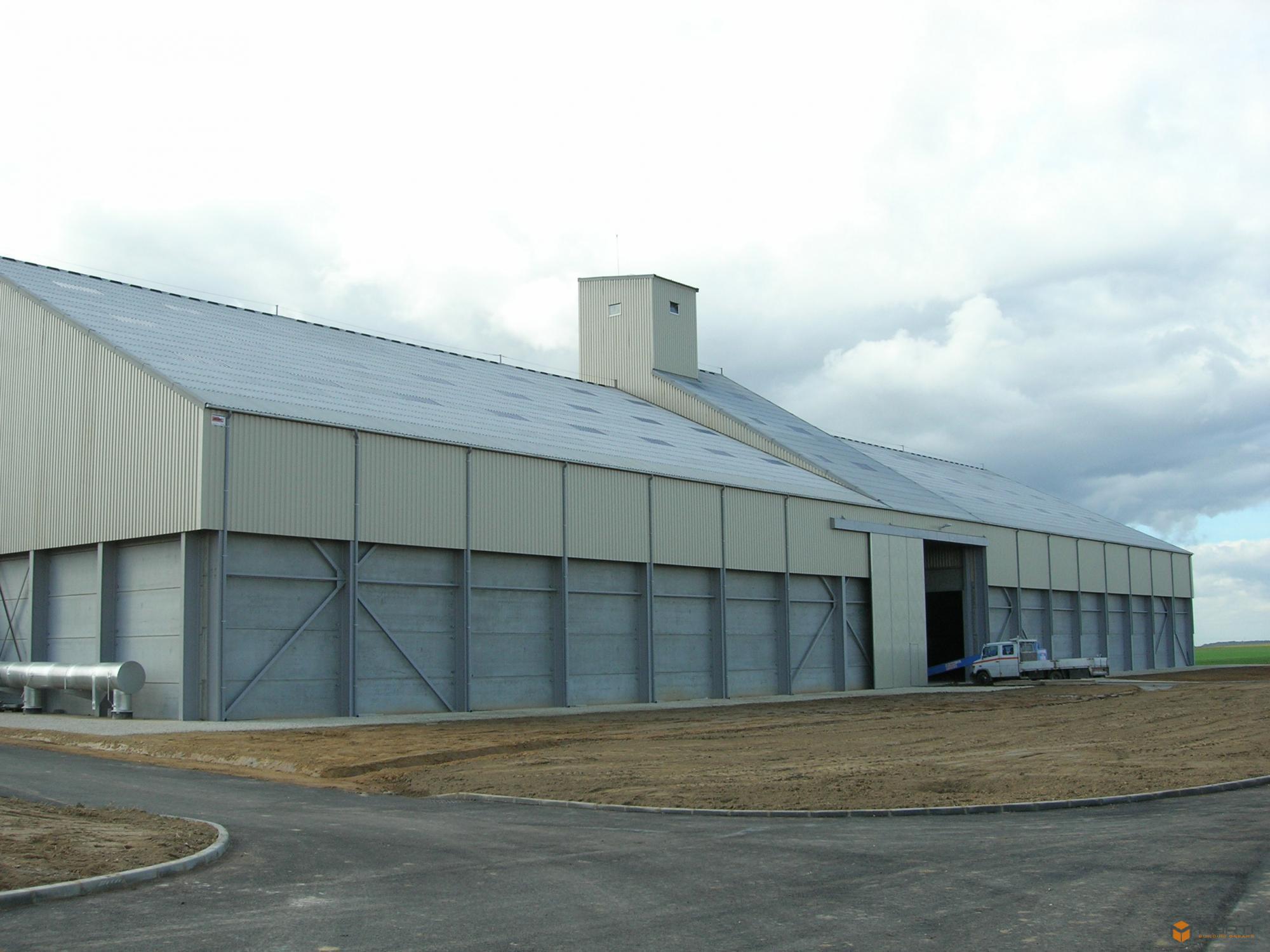 construction de hangars de stockage pour bl et fumier. Black Bedroom Furniture Sets. Home Design Ideas