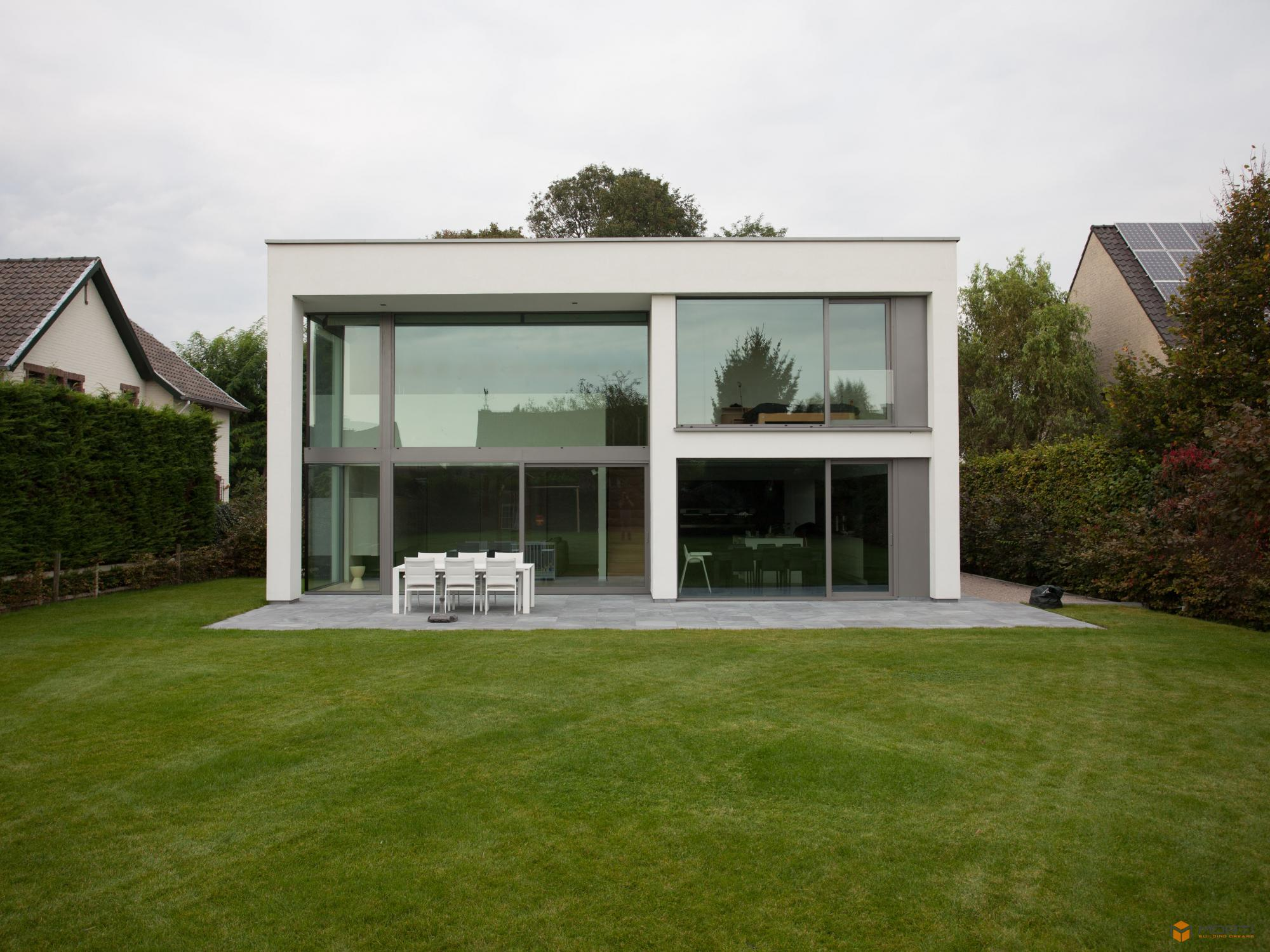 Woningbouw in moderne stijl for Huizen moderne stijl